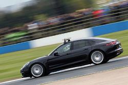 Автомобіль безпеки Porsche Panamera