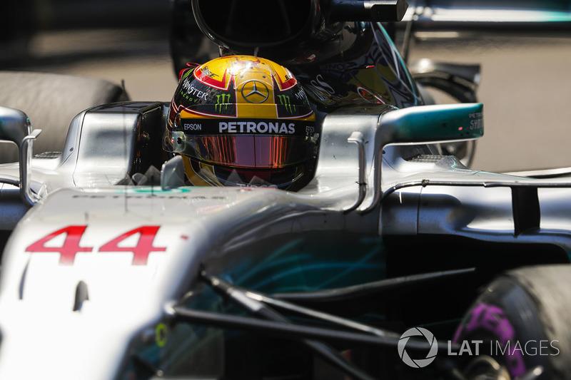 Porém, o carro tinha dificuldades para colocar os pneus na janela ideal de performance. Com isso, Hamilton teve corridas apagadas na Rússia e em Mônaco.