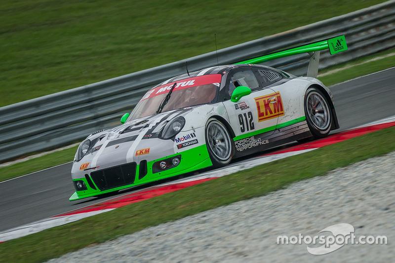 #912 Manthey Racing Porsche 911 GT3R: Frederic Makowiecki, Richard Lietz, Michael Christensen