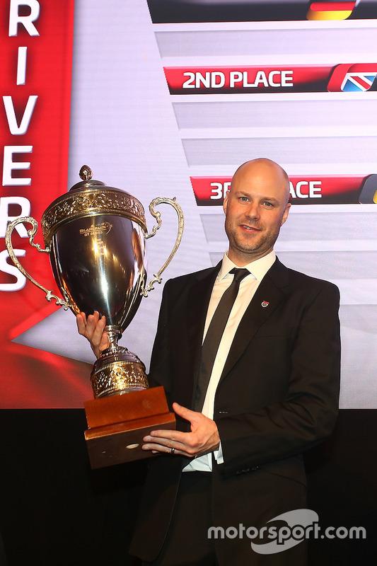 2016 pilotos, Rob Bell, segundo lugar