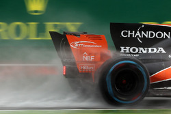McLaren MCL32 rear spray