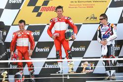 Podium: race winner Troy Bayliss, Ducati; second place Loris Capirossi, Ducati; third place Nicky Hayden, Repsol Honda