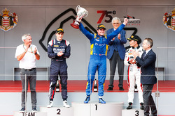 Podium: winner Oliver Rowland, DAMS, second place Artem Markelov, RUSSIAN TIME, third place Nobuharu Matsushita, ART Grand Prix