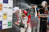 Çaylak podyum: Mick Schumacher, Prema Powerteam, Dallara F317 - Mercedes-Benz, Jehan Daruvala, Carlin, Dallara F317 - Volkswagen