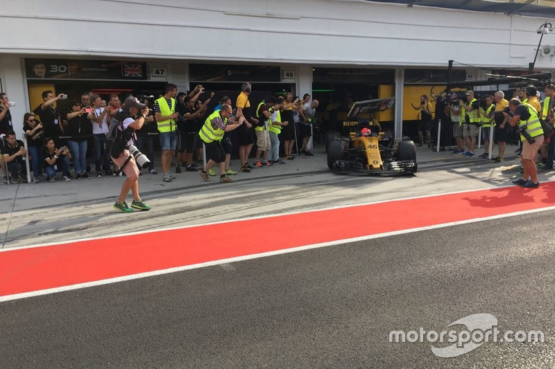 Robert Kubica tabela aracına düşüyor, Renault F1 Team