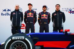 Франц Тост, руководитель команды Scuderia Toro Rosso, Даниил Квят, Карлос Сайнс-мл., Scuderia Toro Rosso, Джеймс Ки, технический директор Scuderia Toro Rosso