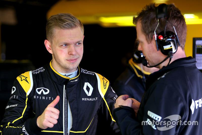 Kevin Magnussen, Renault Sport F1 Team, und Chris Richards, Renault Sport F1 Team