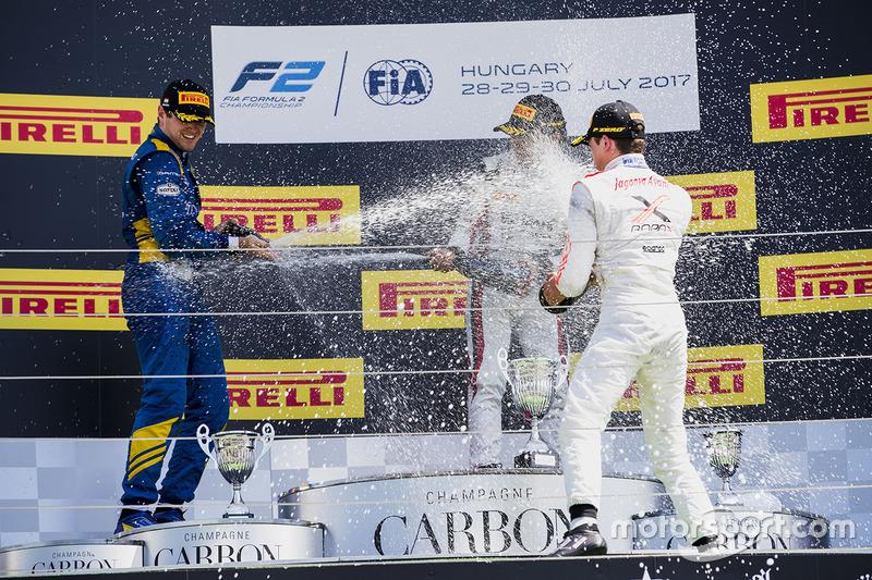 Podio: ganador de la carrera Nobuharu Matsushita, ART Grand Prix, segundo lugar Oliver Rowland, DAMS