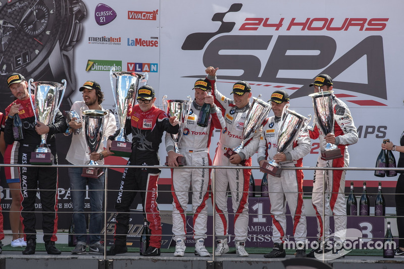 AM-Cup podium: #36 BMW M6 GT3, Walkenhorst Motorsport, Henry Walkenhorst (GER), Stef Van Campenhoudt (BEL), David Schiwietz (GER), Ralf Oeverhaus (GER)
