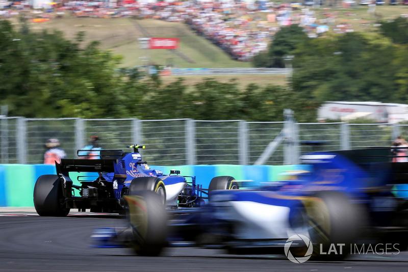 Marcus Ericsson, Sauber C36 y Pascal Wehrlein, Sauber C36