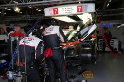 #7 Toyota Gazoo Racing, Toyota TS050 Hybrid: Mike Conway, Kamui Kobayashi, Jose Maria Lopez, in der