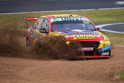 Chaz Mostert, Rod Nash Racing Ford runs wide
