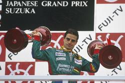 Podium : le vainqueur Alessandro Nannini, Benetton