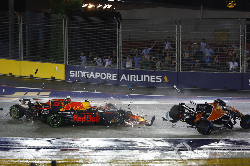 Кімі Райкконен, Ferrari SF70H, Макс Ферстаппен, Red Bull Racing RB13, Фернандо Алонс, McLaren MCL32