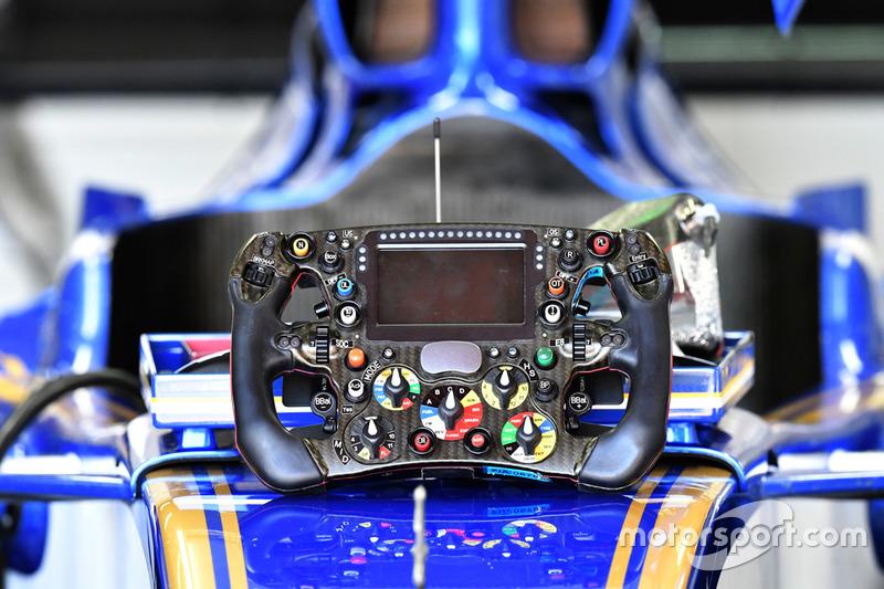 Руль Sauber C36