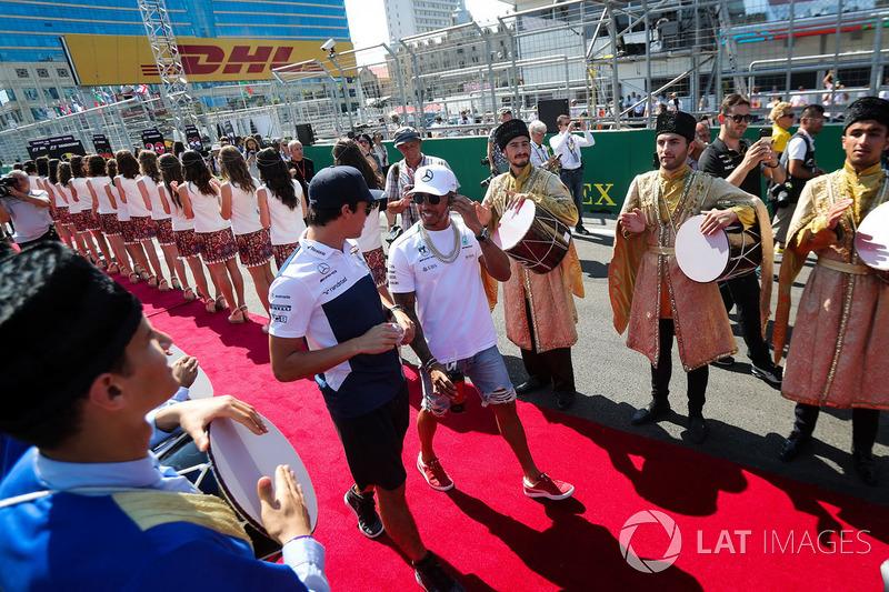 Lewis Hamilton, Mercedes AMG F1 y Lance Stroll, Williams
