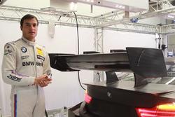 Bruno Spengler mit dem Heckflügel am BMW-DTM-Testauto für 2017 (Screenshot)
