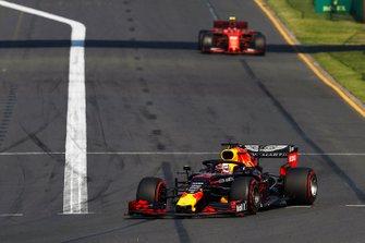 Max Verstappen, Red Bull Racing RB15, Charles Leclerc, Ferrari SF90