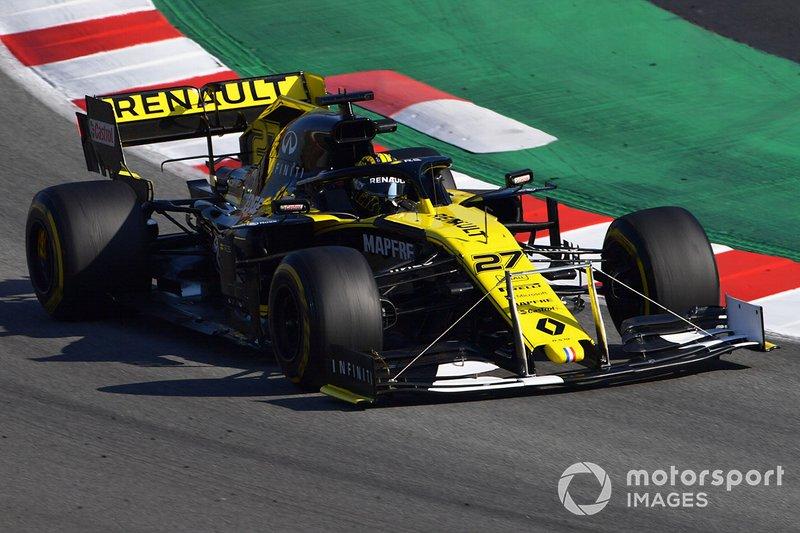 El Renault F1 Team R.S. 19 con un dispositivo en el alerón delantero