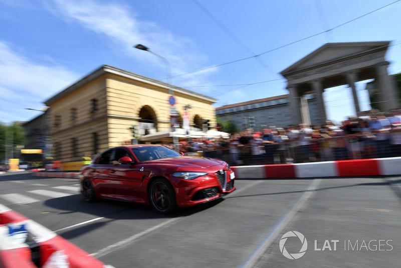 Charles Leclerc, Alfa Romeo Sauber F1 Team Alfa Romeo Quadrifoglio