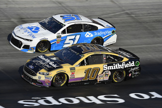 Aric Almirola, Stewart-Haas Racing, Ford Fusion Smithfield Anytime Favorites e Reed Sorenson, Rick Ware Racing, Chevrolet Camaro Trading View