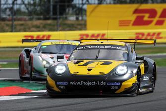 #56 Team Project 1 Porsche 911 RSR: Jorg Bergmeister, Patrick Lindsey, Egidio Perfetti