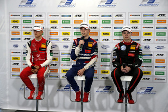 Press Conference, Mick Schumacher, PREMA Theodore Racing Dallara F317 - Mercedes-Benz, Robert Shwartzman, PREMA Theodore Racing Dallara F317 - Mercedes-Benz, Jonathan Aberdein, Motopark Dallara F317 - Volkswagen