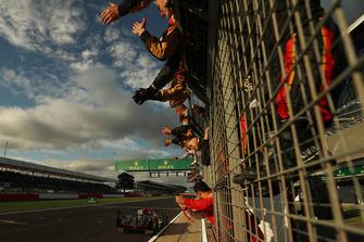 Segundos LMP2 #37 Jackie Chan DC Racing Oreca 07 Gibson: Jazeman Jaafar, Weiron Tan, Nabil Jeffri