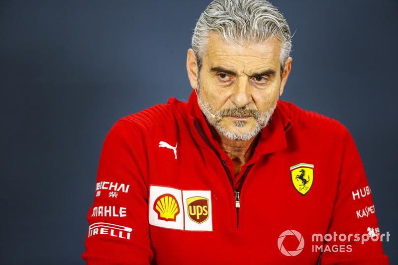 """Maurizio Arrivabene: """"Parabéns a Hamilton e Mercedes, mas o campeonato ainda não acabou e o campeonato de construtores ainda está em jogo, é nosso dever e vamos tentar vencer"""""""
