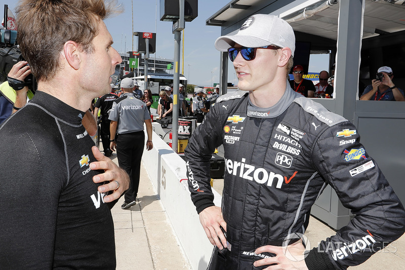 Josef Newgarden, Team Penske Chevrolet and Will Power, Team Penske Chevrolet post-qualifying discussion