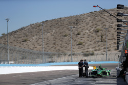 Ingenieros de Cosworth con Spencer Pigot, Ed Carpenter Racing Chevrolet