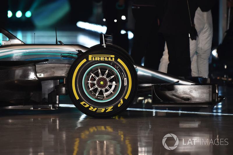 Mercedes AMG F1 W09 ön detay