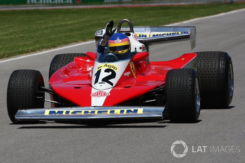 Jacques Villeneuve, guida la Ferrari 312T3 1978 del padre, vincitrice nel GP del Canada