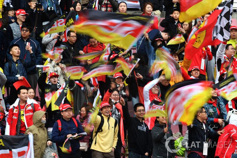 Fans y banderas