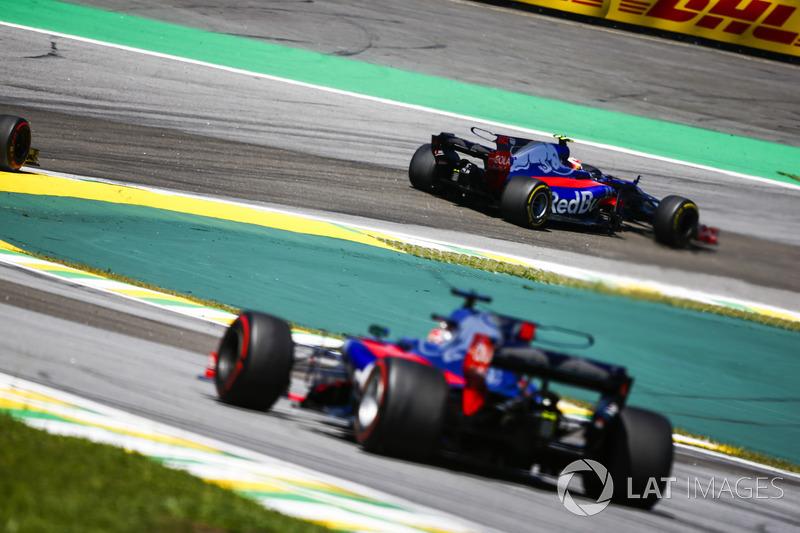 Pierre Gasly, Scuderia Toro Rosso STR12, Brendon Hartley, Scuderia Toro Rosso STR12