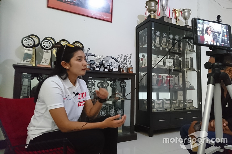 Alinka Hardianti, Toyota Team Indonesia, Derry Munikartono, Motorsport.com Indonesia