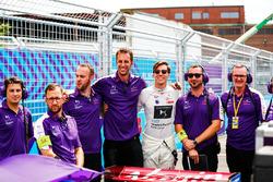 Alex Lynn, DS Virgin Racing, avec son équipe