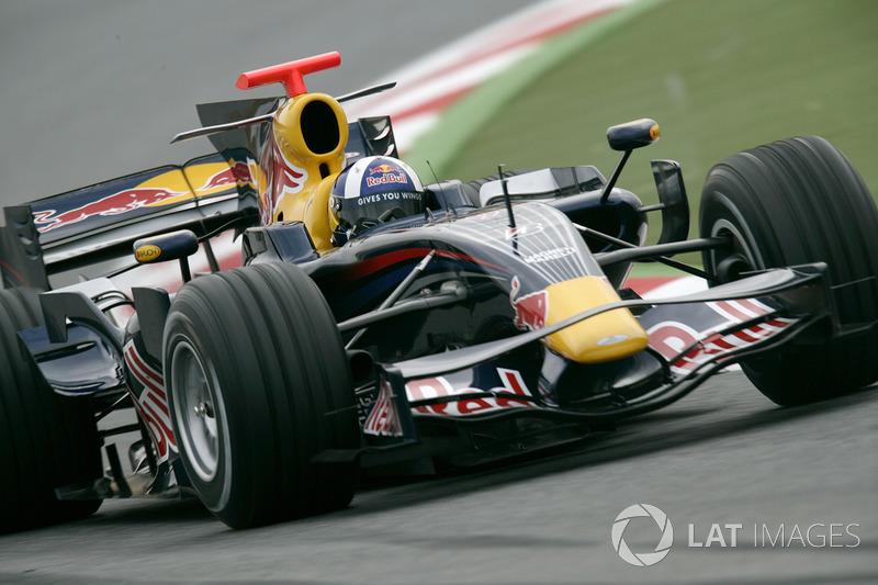 24. El Red Bull Racing RB4 de F1