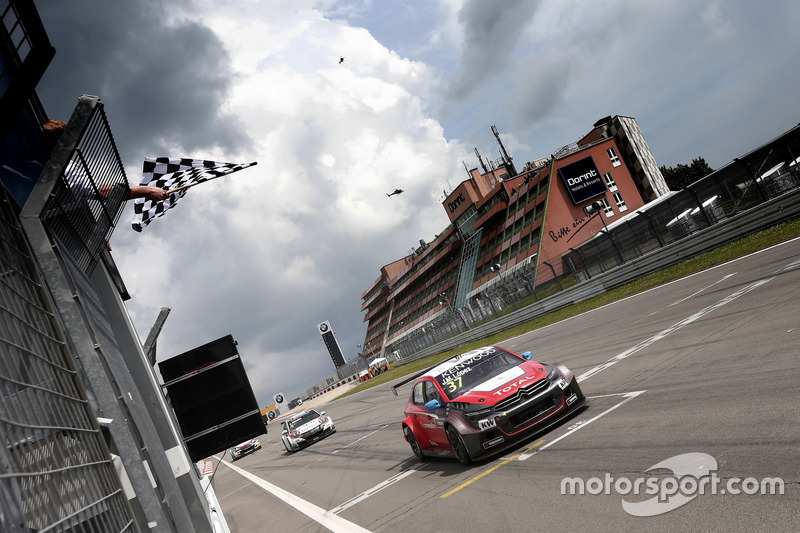 Sieg für José María López, Citroën World Touring Car Team, Citroën C-Elysée WTCC