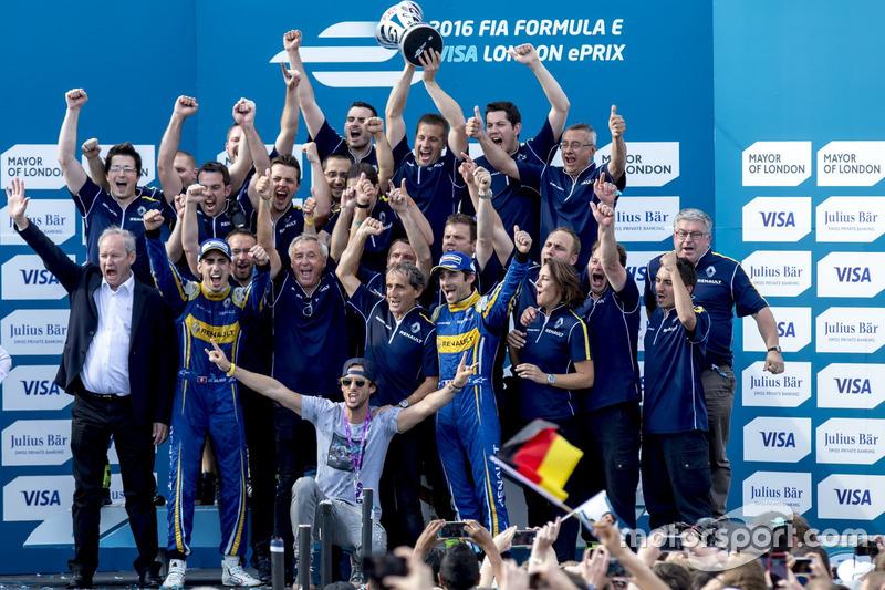 Nicolas Prost, Renault e.Dams; Sebastien Buemi, Renault e.Dams und das  Renault eDams Team lassen sich auf dem Podium feiern