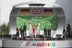 Podio: Tercer lugar Sebastian Vettel, Scuderia Ferrari celebra