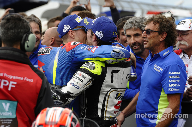 Race winner Maverick Viñales, Team Suzuki MotoGP, second place Cal Crutchlow, Team LCR Honda