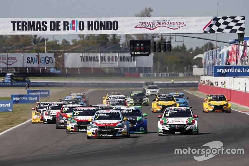 Start: Tom Chilton, Sébastien Loeb Racing, Citroën C-Elysée WTCC leads