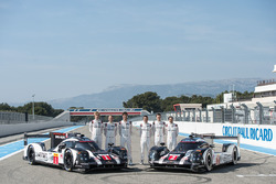 #1 Porsche Team Porsche 919 Hybrid: Timo Bernhard, Mark Webber, Brendon Hartley en #2 Porsche Team P