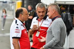 Frederic Vasseur, Sauber, Team Principal with Beat Zehnder, Sauber Manager and Eje Elgh, Manager