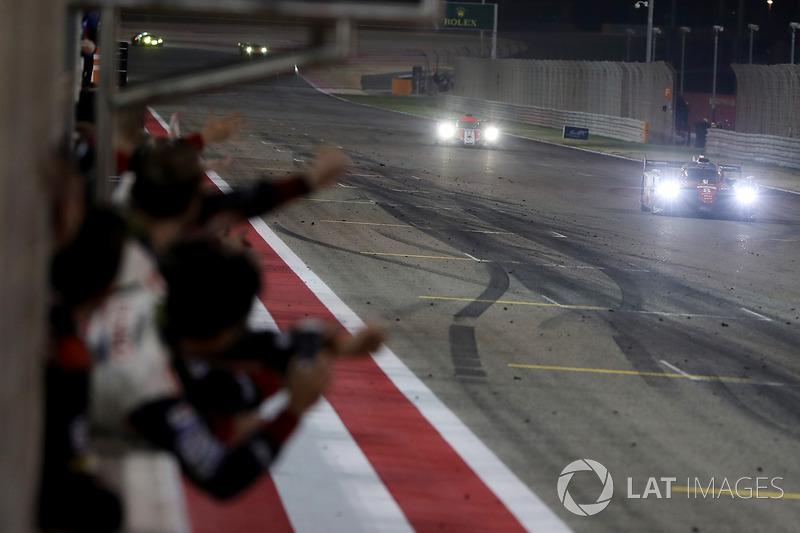 Race winners #8 Toyota Gazoo Racing Toyota TS050-Hybrid: Sebastien Buemi, Anthony Davidson, Kazuki Nakajima