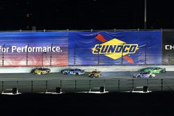 Matt DiBenedetto, GO FAS Racing Ford Fusion, Kyle Larson, Chip Ganassi Racing Chevrolet Camaro, Erik Jones, Joe Gibbs Racing Toyota crash