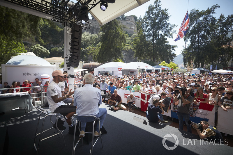 Lewis Hamilton, Mercedes AMG F1, and Valtteri Bottas, Mercedes AMG F1s to Bob Constanduros