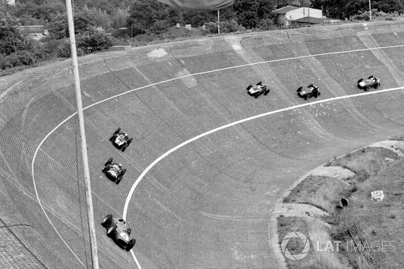 Tony Brooks, Ferrari Dino 246 ve Stirling Moss, Cooper T51 Climax
