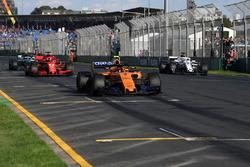 Stoffel Vandoorne, McLaren MCL33 practice starts